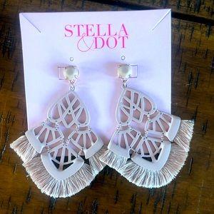 Stella & Dot Alexandria Chandelier Earrings Blush